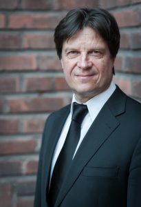 Dirigent Kari Turunen. Foto: Kai Bäckström.